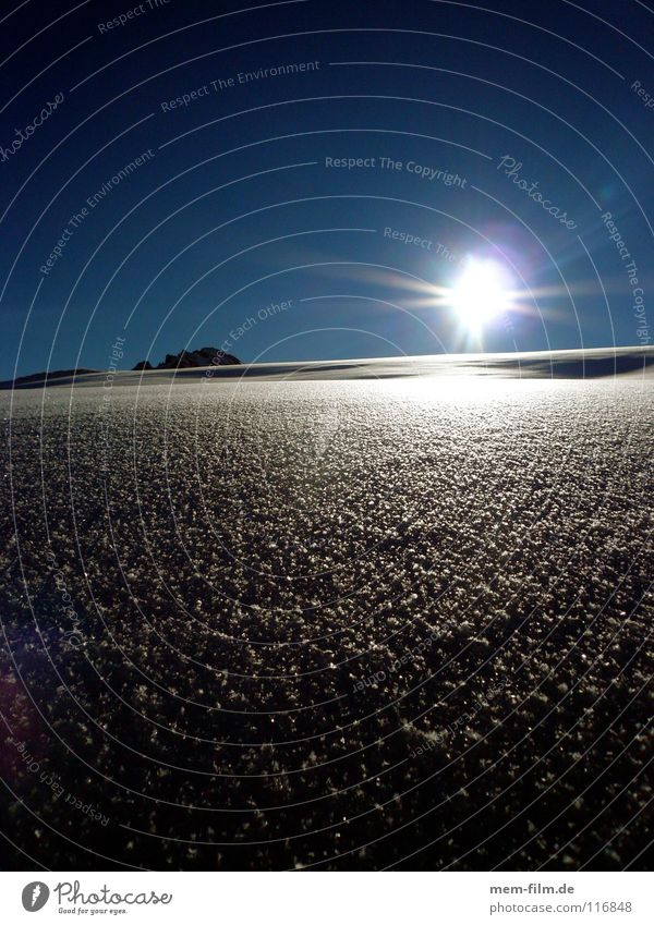 schneeblind II Pulverschnee Winterurlaub Neuschnee Sommer kalt heiß unberührt Tiefschnee Gipfel Blende Schneebrille Frankreich Puderzucker Dezember