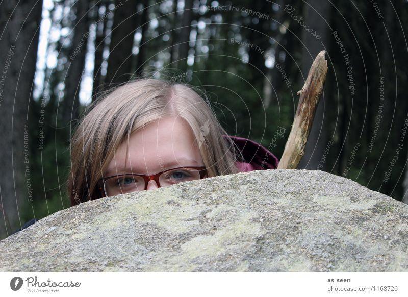 Robin Hood 2.0 Mädchen Jugendliche Gesicht Auge 1 Mensch 13-18 Jahre Kind Schauspieler Umwelt Natur Landschaft Wald Felsen beobachten Blick authentisch Neugier