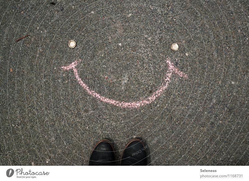 a million smiles Freizeit & Hobby Kinderspiel Fuß Schuhe Kreide Kronkorken lachen Gefühle Freude Glück Fröhlichkeit Zufriedenheit Lebensfreude Vorfreude