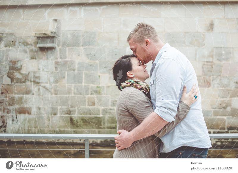 Innig Mensch Jugendliche Junge Frau Junger Mann 18-30 Jahre Erwachsene Leben Wand Liebe Gefühle feminin Mauer Familie & Verwandtschaft Kopf Lifestyle Paar