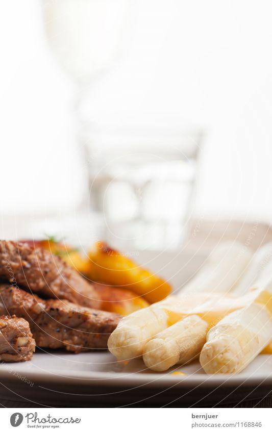 Greetings from Schrobenhausen weiß Wasser Gesunde Ernährung Foodfotografie Lebensmittel braun Glas Trinkwasser Getränk Kochen & Garen & Backen Gemüse lecker gut Bier Teller Fleisch