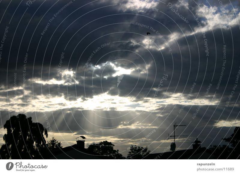 Kleinstadtwunder #1 Wolken dramatisch Strahlung Wunder Sonne Himmel Abend