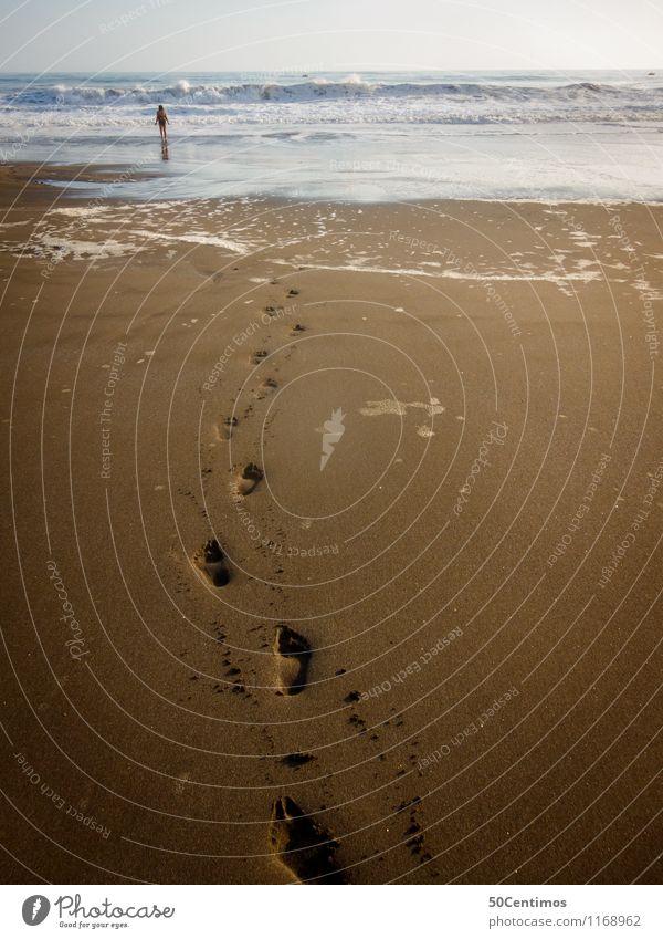 Spuren am Strand Ferien & Urlaub & Reisen Ausflug Abenteuer Ferne Sommer Sommerurlaub Meer Insel Wellen 1 Mensch Schönes Wetter Schwimmen & Baden gehen Fernweh