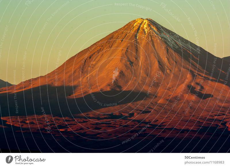 Vulkan im Abendrot Ferien & Urlaub & Reisen Sommer ruhig Ferne Schnee Abenteuer Schneebedeckte Gipfel Risiko Wüste Fernweh Chile San Pedro de Atacama