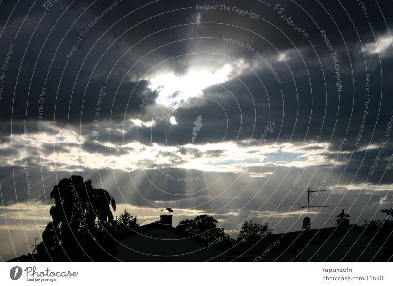 Kleinstadtwunder #3 Wolken dramatisch Strahlung Wunder Sonne Himmel Abend
