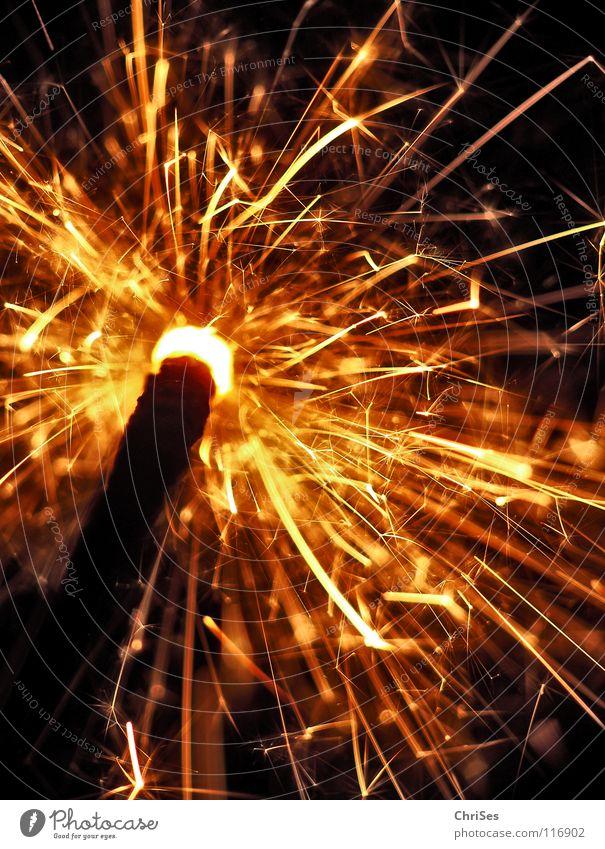 WunderKerze_01 Weihnachten & Advent weiß Freude schwarz gelb dunkel hell Feste & Feiern glänzend Brand Geburtstag gold Stern (Symbol) Kerze Silvester u. Neujahr heiß