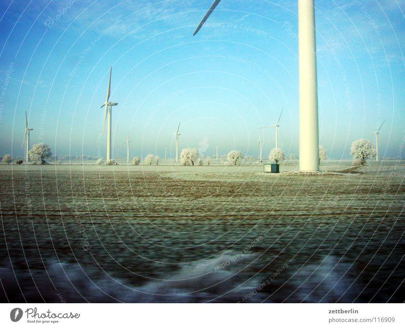 Bahnfahrt nach Norden 8 Himmel Baum Winter Ferien & Urlaub & Reisen Lampe Schnee Landschaft Feld Wind Eisenbahn Energiewirtschaft fahren Sträucher