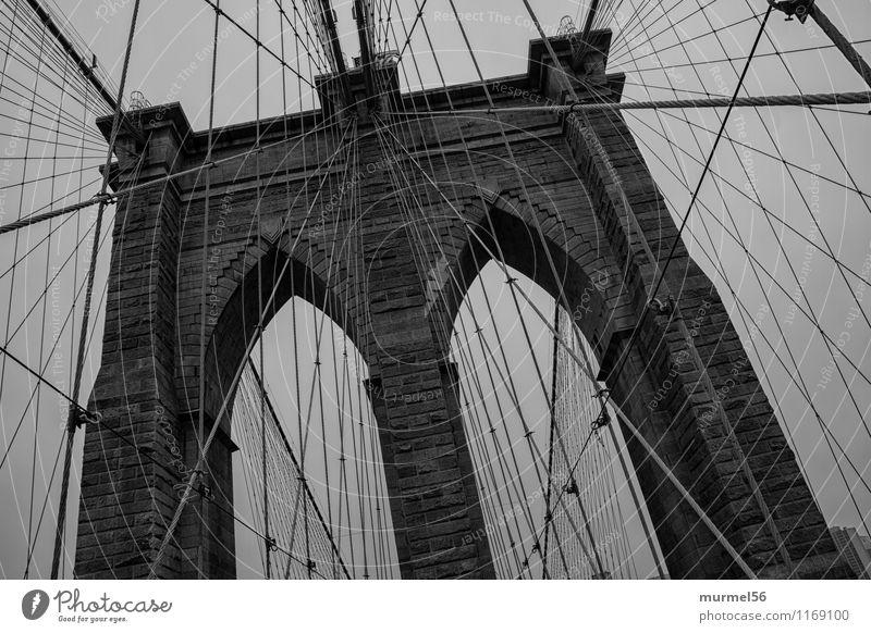 Brooklyn Bridge Stadt schwarz Architektur Kraft Erfolg Brücke einzigartig Bauwerk Vertrauen Hauptstadt