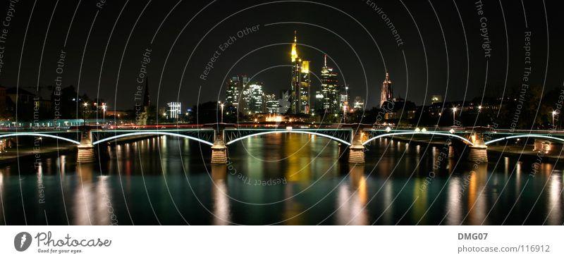 Skyline Mainhattan Ferien & Urlaub & Reisen Stadt Wasser Stil Lifestyle Feste & Feiern Business Tourismus Musik Tanzen Energie Brücke Güterverkehr & Logistik