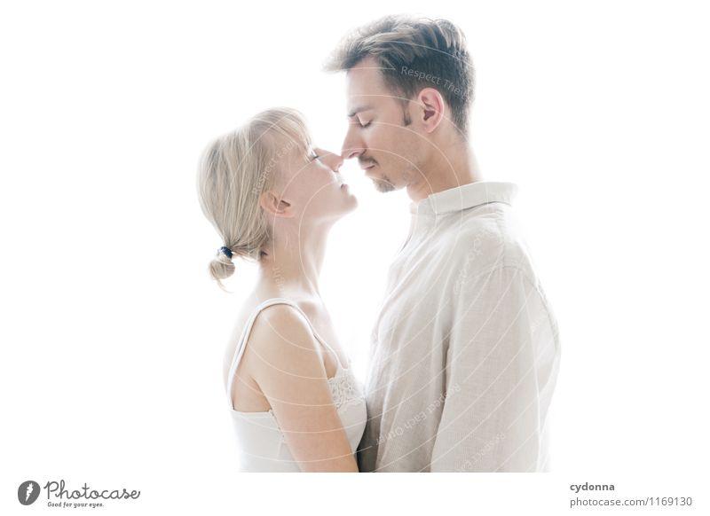 Pärchenfoto Mensch Jugendliche schön Junge Frau Erholung Erotik Junger Mann ruhig 18-30 Jahre Erwachsene Leben Liebe Gefühle Gesundheit Glück Paar