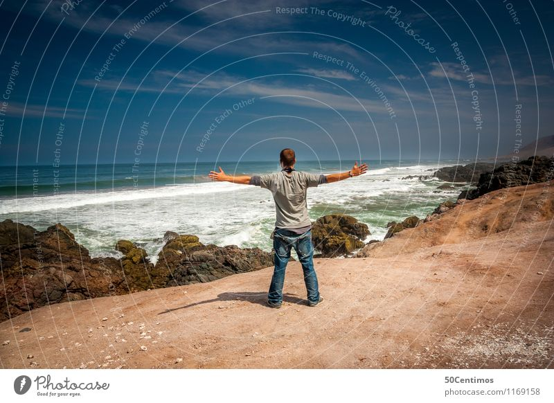 Reiselust & Wanderlust Mensch Himmel Natur Ferien & Urlaub & Reisen Jugendliche Mann Sommer Erholung Meer Landschaft Junger Mann Wolken Ferne Strand Erwachsene