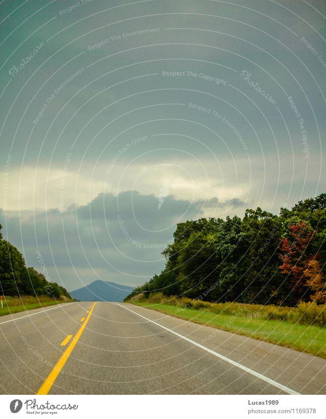 on the road Natur Landschaft Wolken Gewitterwolken Horizont Wald Hügel Berge u. Gebirge Gipfel Stars and Stripes Verkehr Verkehrsmittel Verkehrswege