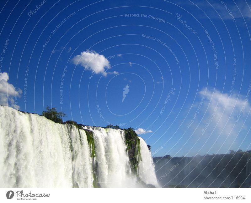 Erfrischender Caipirinha... III Strömung Berghang Brasilien Argentinien Kunst Wassermassen Pflanze Gewässer Tourismus Baum Wolken Horizont Wassertropfen Tourist