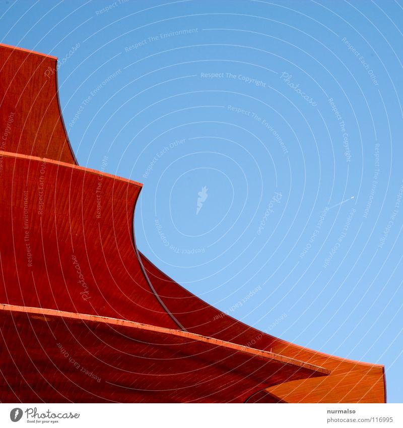 Red Wings rot Haus Spielen Berlin Architektur Kunst Vogel Zusammensein fliegen Ausflug Flügel Baustelle Dach einzigartig Show Kultur