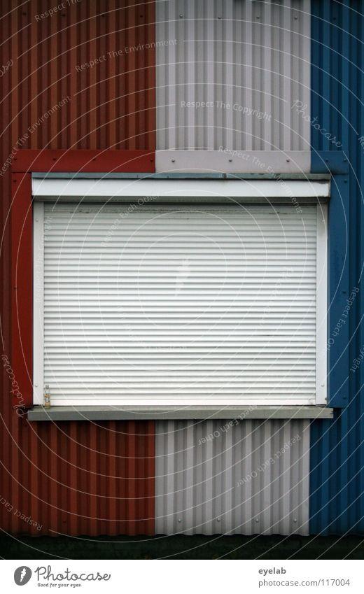 FENSTERLN AUF FRANZÖSISCH II Fenster schlafen dunkel geschlossen schließen Wand Gebäude Blech Rollo Sicherheit Frankreich Streifen gestalten mehrfarbig vertikal