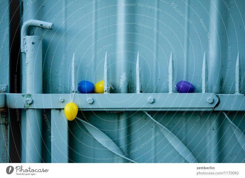 Vier Eier Osterei Ostern Religion & Glaube Auferstehung fruchtbar Landwirtschaft Käfig Kunststoff Hühnerei Metall Tor Tür Versteck Schmuck