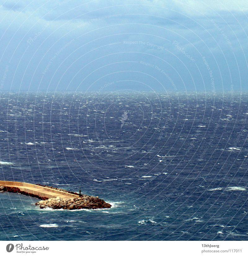 MeerBlick Wellen Sardinien Unendlichkeit Ferne Sturm Europa Wasser Mittelmeer Castelsardo Flutschutzmauer blau
