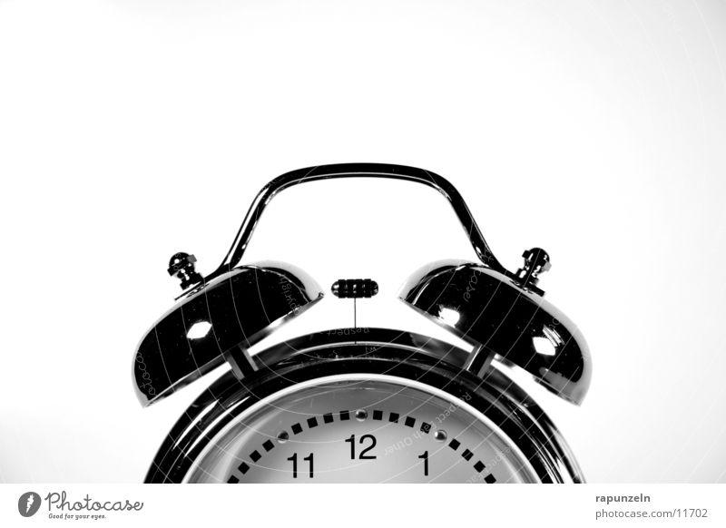 Belästigung #2 schlafen Ziffern & Zahlen Häusliches Leben Klingel Morgen aufwachen Wecker Uhrenzeiger