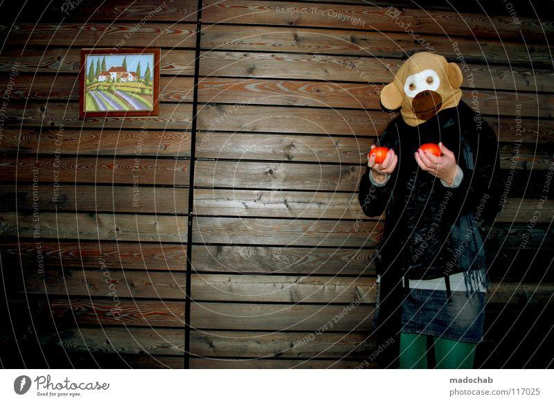 KLAPPE ZU - AFFE TOT Frau Regenschirm Mütze kalt gefühlsarm unpersönlich Gürtel Karneval Gute Laune Bekleidung Körperhaltung Wand stehen Stiefel Minirock