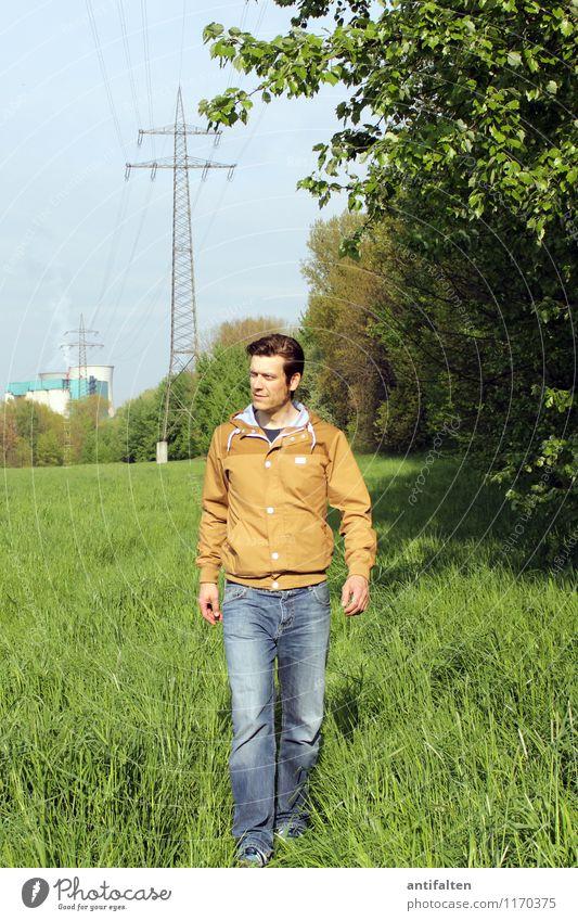 Herr C in D Mensch Natur Mann Sommer Sonne Baum Landschaft Erwachsene Leben Frühling Beine gehen Kopf Park maskulin Freizeit & Hobby