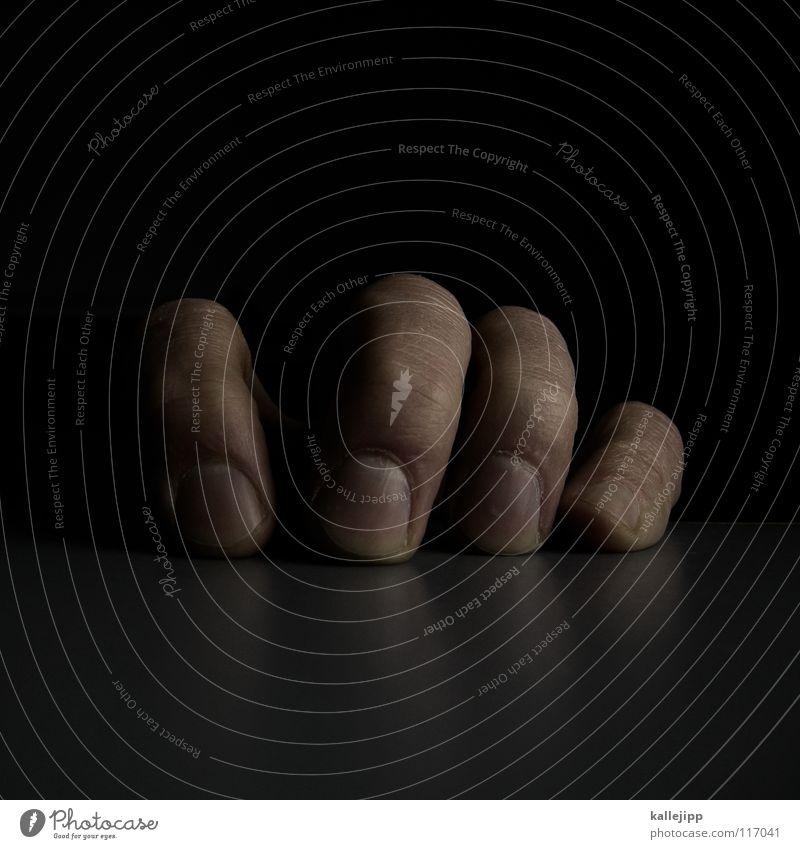 klammerAFFE Mensch Mann schön Hand Berge u. Gebirge Spielen Angst Hochhaus Haut Tisch hoch gefährlich Finger Ecke bedrohlich festhalten