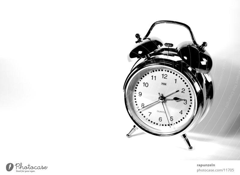 Belästigung #5 Wecker Ziffern & Zahlen schlafen aufwachen Häusliches Leben Morgen Uhrenzeiger