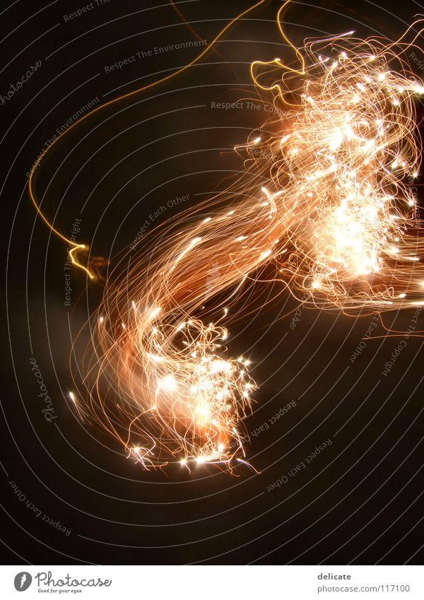 Feuerwerk Silvester u. Neujahr glänzend hell gelb orange 2008 Light neues Jahr Raketenschweif Licht Lichterscheinung Lichtinstallation Lichtspiel Funken