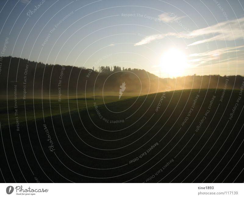 Sun goes down saftig grün himmlisch schön Golfplatz Freizeit & Hobby reich Sonnenuntergang Herbst Außenaufnahme Gegenlicht Rasen nachsichtig hell Himmel