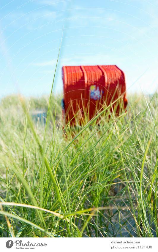 Sommerurlaubsfoto Ferien & Urlaub & Reisen Tourismus Sonne Strand Meer Insel Wolkenloser Himmel Gras Nordsee hell blau grün rot Vorfreude Erholung