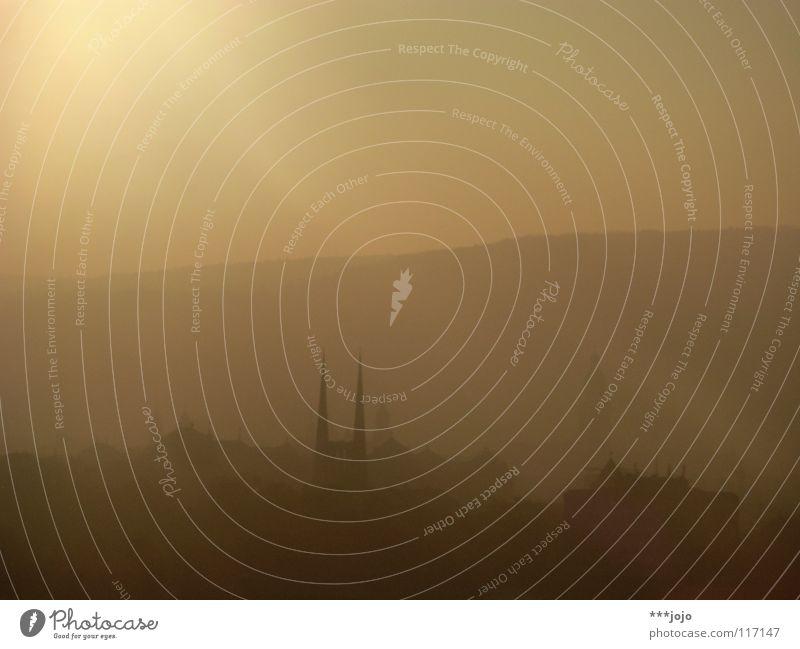doppelhorn in gold. schön Sonne Stadt dunkel Stimmung Religion & Glaube Beleuchtung Nebel Romantik Turm zart Idylle Horn unklar Teufel