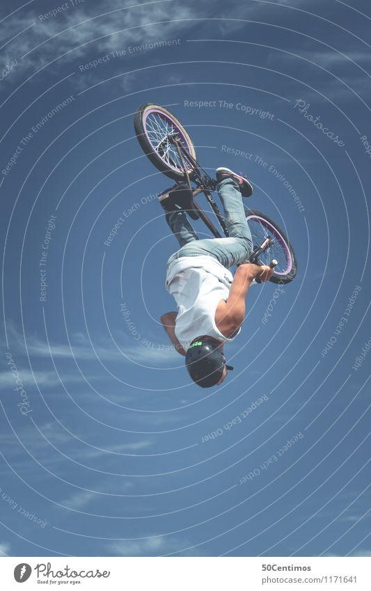 BMX Jump Mensch Himmel Jugendliche Mann blau Sommer Junger Mann Freude Erwachsene Stil Sport fliegen Lifestyle springen maskulin Freizeit & Hobby