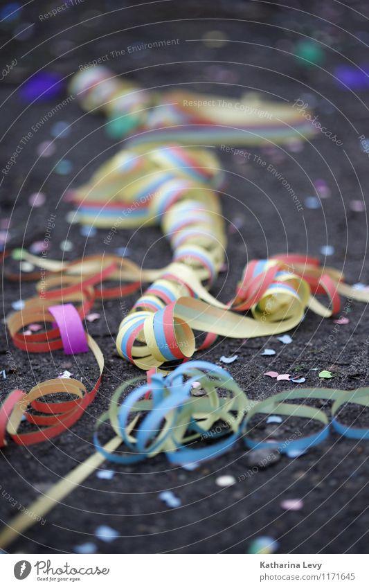 Rest vom Fest Freude Party ausgehen Feste & Feiern Veranstaltung Show Erde Frühling Sommer Papier Spielen toben Fröhlichkeit klein lustig viele verrückt