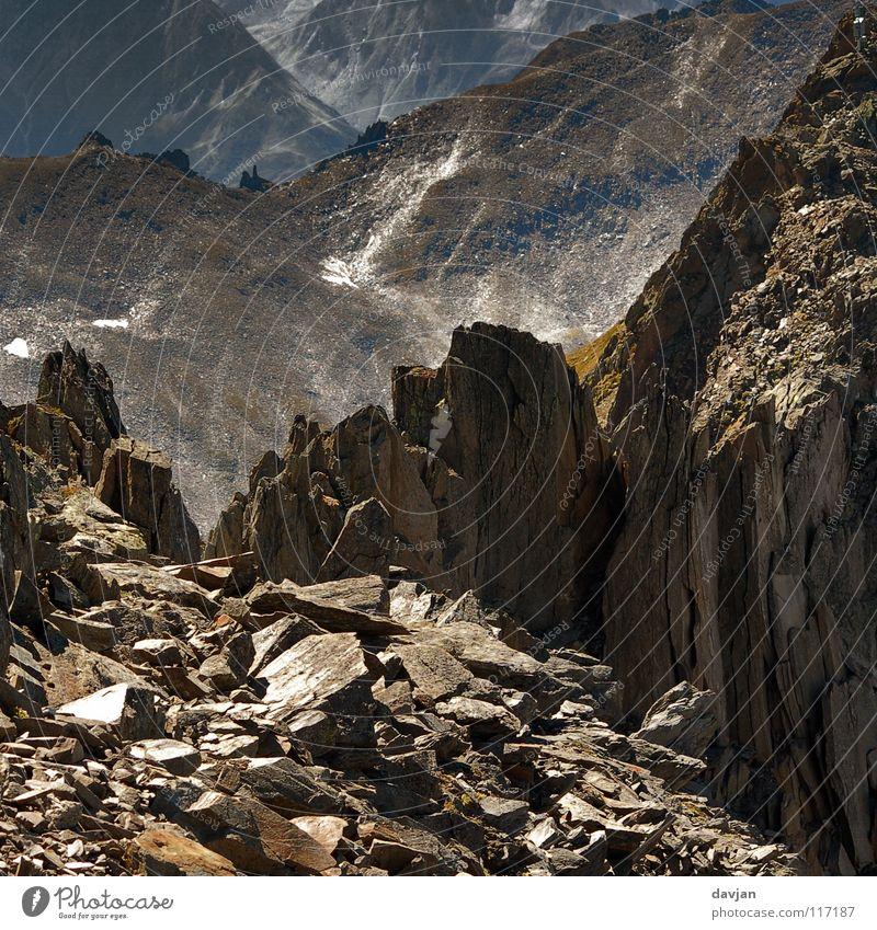 Endzeit Verfall Scherbe kaputt Schweiz Berge u. Gebirge Stein Felsen Alpen Neigung