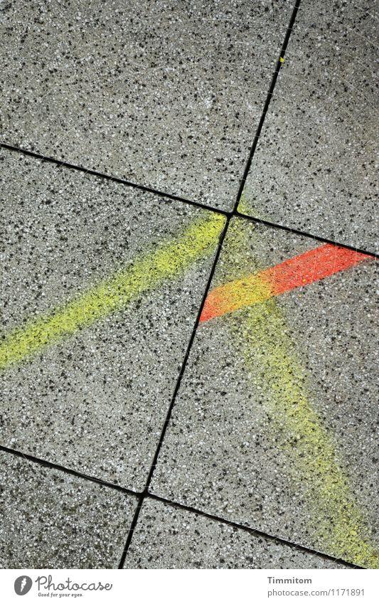 Farbspiel. schwarz gelb Gefühle grau Linie orange ästhetisch Beton einfach Neigung Klarheit eckig Bodenplatten diszipliniert egoistisch