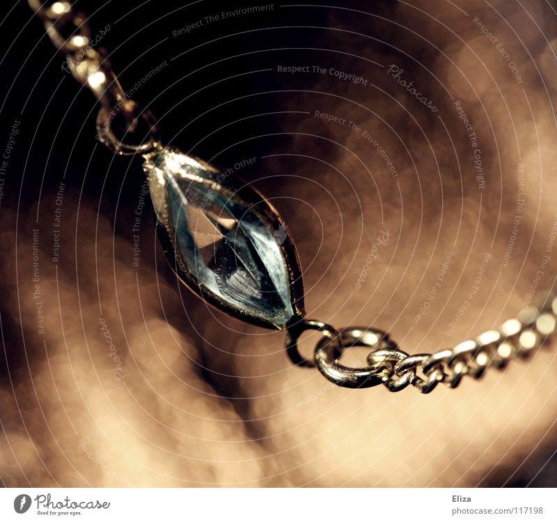 Aus dem Schmuckkästchen schön alt Lampe Stein braun glänzend Glas elegant gold Reichtum Kette edel schick Glamour Accessoire
