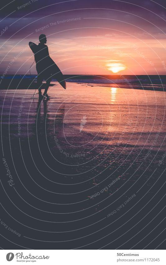 surfer on the beach Mensch Natur Ferien & Urlaub & Reisen Jugendliche Mann Sommer Erholung Meer Junger Mann Freude Ferne Strand Erwachsene Stil Sport Freiheit