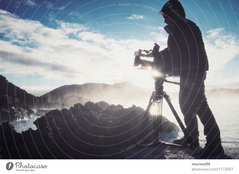 Kameramann Mensch Ferien & Urlaub & Reisen Erholung ruhig Freude Ferne Winter Berge u. Gebirge Leben Schnee Lifestyle Freiheit Schwimmen & Baden maskulin