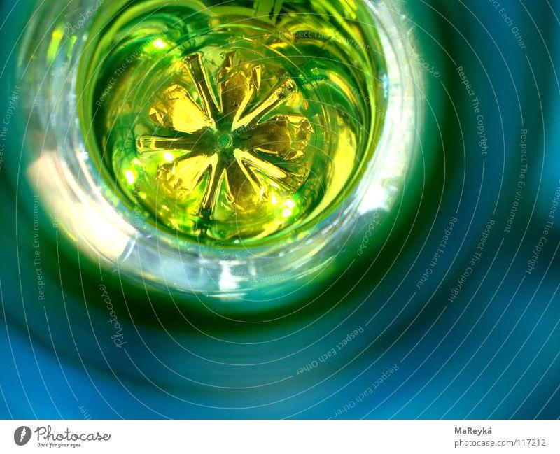 in the deep of your böttläää Licht Haushalt trinken High-Tech Langeweile grün Kunststoff Flaschenboden rund leer Umweltschutz Güterverkehr & Logistik