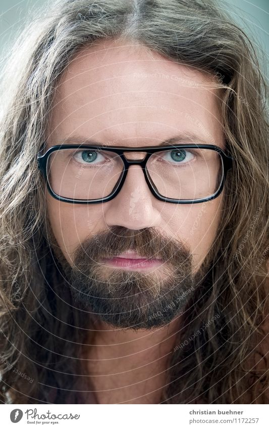 norbert Mann Erwachsene Gesicht 1 Mensch 30-45 Jahre Künstler Brille blond langhaarig Locken Vollbart Blick authentisch außergewöhnlich einzigartig Originalität