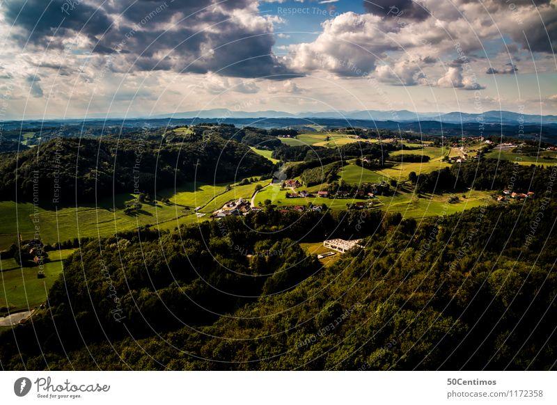 Die grüne Steiermark von oben Sommer Sommerurlaub Natur Landschaft Gewitterwolken Sonnenlicht Schönes Wetter Wiese Feld Wald Hügel Bundesland Steiermark