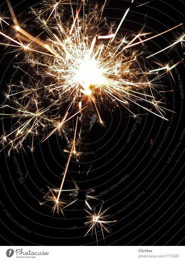 WunderKerze_03 Weihnachten & Advent weiß schwarz gelb dunkel hell Feste & Feiern glänzend Brand Geburtstag gold Feuer Stern (Symbol) Silvester u. Neujahr heiß