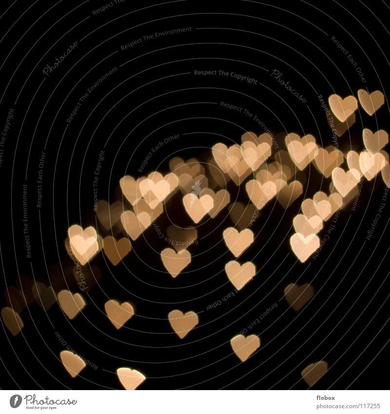 Kleine Herzchen Freude Liebe dunkel Gefühle klein süß Romantik Sehnsucht geheimnisvoll Zeichen Symbole & Metaphern Liebeskummer Licht Valentinstag Lichtpunkt