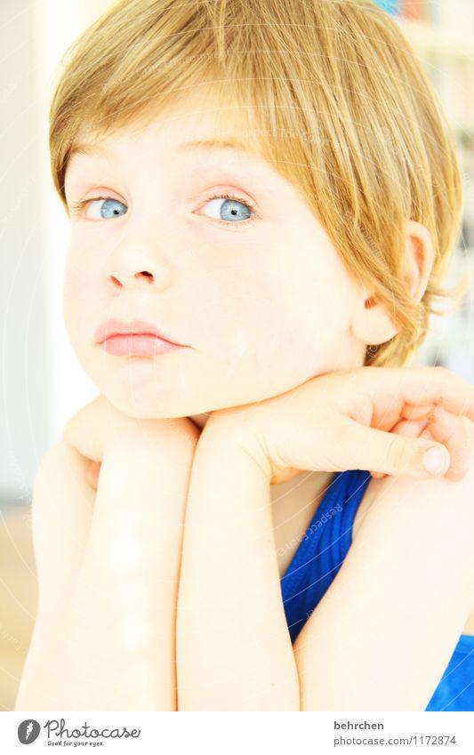 meinst du wirklich?! Kind blau schön Gesicht Auge Liebe Junge Familie & Verwandtschaft Haare & Frisuren Zufriedenheit Körper blond Kindheit Mund beobachten Nase