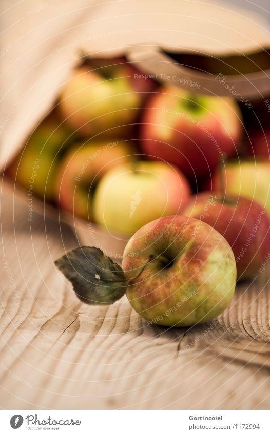 Bio Frucht Apfel Bioprodukte Sommer Herbst Blatt frisch Gesundheit süß Tüte Ernte herbstlich Farbfoto Gedeckte Farben Menschenleer Textfreiraum unten