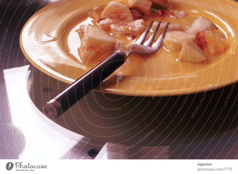 Obschtsalat Ernährung Frucht Stillleben Teller Geschirr Gabel Nachmittag langsam