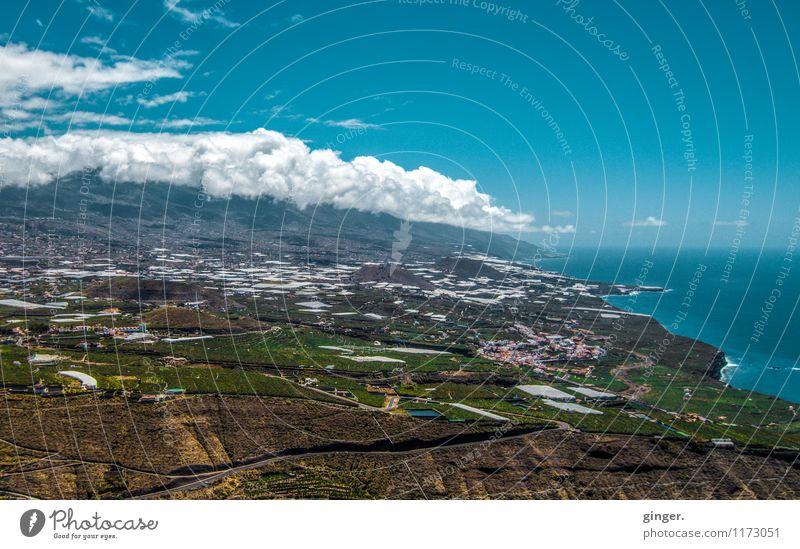 La Palma - Isla del Amor Kanaren Stadt Hafenstadt Haus blau braun mehrfarbig grün weiß Aussicht Wolken Berge u. Gebirge Landschaft oben Meer Meeresküste