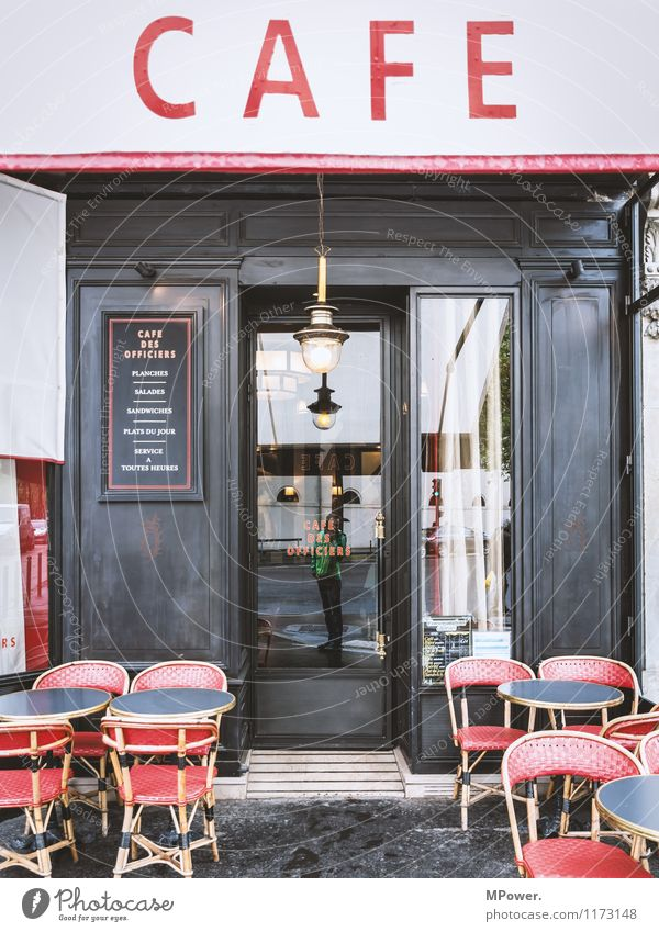 paris 1 Mensch Körper alt Café Stuhl Restaurant Reflexion & Spiegelung Paris Frankreich Foodfotografie Getränk Pause Lampe Farbfoto Außenaufnahme Tag