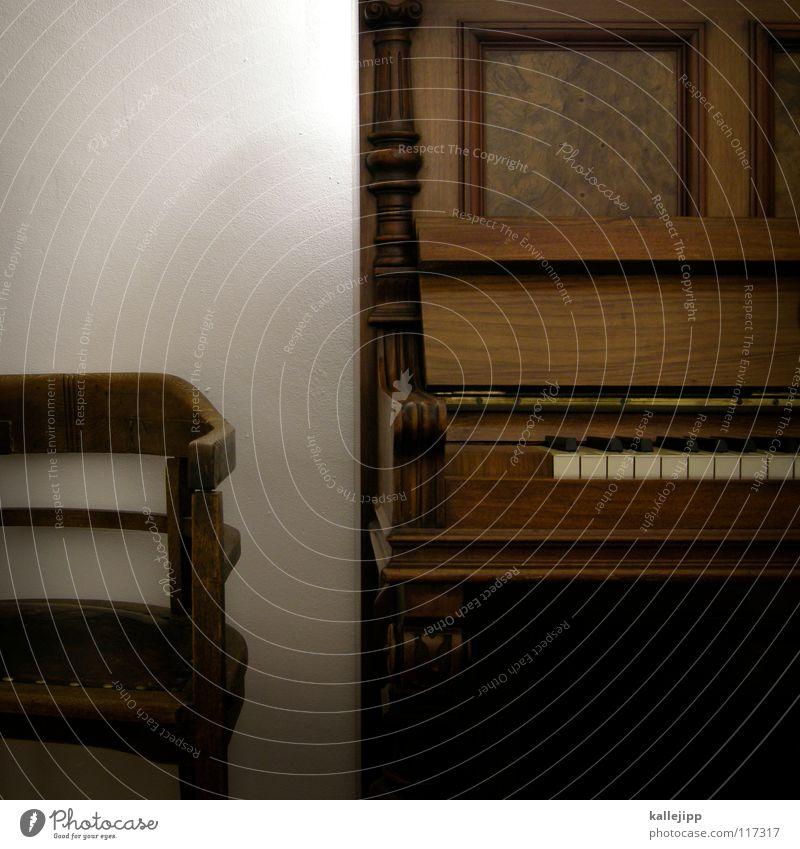 ein klavier, ein klavier alt Musik Holz Kunst Wohnung Romantik Stuhl Dekoration & Verzierung Flügel Kultur berühren Konzert hören Klavier Kreativität harmonisch