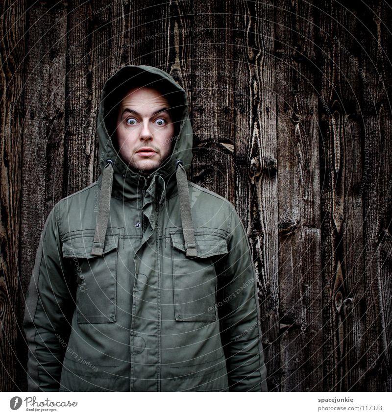 Ich sehe was, was du nicht siehst! Mann Porträt Freak Wand Holz Winter kalt Angst unheimlich Panik Freude Strukturen & Formen Kapuze