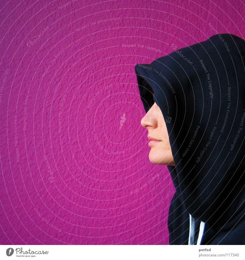 Profi(l) Frau Mütze Pullover Bekleidung Trauer rosa Wand Silhouette stehen Hälfte mehrfarbig Mensch warten Traurigkeit Gesicht Profil Nase Seite Müdigkeit Mund